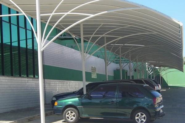 ABRIGO-PARA-CARRO-3-591x400